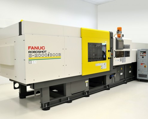 Fanuc 300t all electric injection molding machine